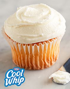 Cool Whip Whipped Topping Three-Ingredient Frosting What do you get when you mix 4 oz. softened PHILADELPHIA Cream Cheese with a 7-oz. jar of JET-PUFFED Marshmallow Creme and 8-oz. tub of thawed COOL WHIP Whipped Topping? The perfect, takes-no-time-to-make, fluffy cream cheese frosting, that's what.