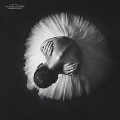 The Best of Russia photography competition: A year in the life of the biggest country on Earth Ballerina Photography, Dance Photography Poses, Photography Competitions, Dance Poses, Fine Art Photography, Black And White Portraits, Black And White Photography, Ballerina Kunst, Photo Direct