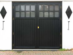 Choose from side-hinged, roller, one-piece or sectional garage doors in steel or aluminium. Everest garage doors are as practical as they are stylish. Timber Garage Door, Grey Garage Doors, Side Hinged Garage Doors, Single Garage Door, Garage Door Hinges, Electric Garage Doors, Garage Door Insulation, Garage Door Springs, Garage Door Makeover