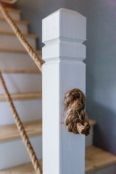 DIY Rope Stair Railing | www.cottonwoodshanty.com