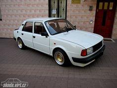 Skoda 125 L Motor Car, Custom Cars, Berlin, Camping, Vehicles, Autos, Sweden, Antique Cars, Campsite