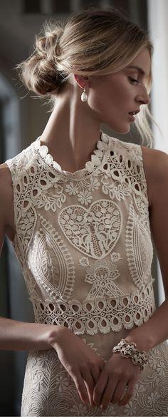 Simply gorgeous via @peggyaltick. #rachelegance #feminine
