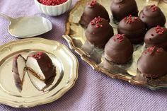 no - Finn noe godt å spise Scandinavian Desserts, Norwegian Food, Eat Dessert First, Candy Recipes, Cookie Bars, Let Them Eat Cake, Afternoon Tea, Sweet Tooth, Sweets
