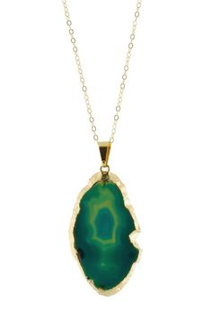 Anything druzy or agate is my absolute favorite type of jewelry! Earthy & chic. Gold Plated Agate Necklace