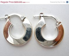 Sale Sterling Silver Hoop Earrings Italy by TheJewelryLadysStore