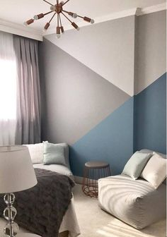 Grey Room: 70 fashionable concepts so as to add colour to the setting . Home Wall Painting, Painting Bedrooms, Geometric Wall Paint, Geometric Shapes, Wall Paint Patterns, Living Room Decor, Bedroom Decor, Gray Bedroom, Bedroom Wall Designs