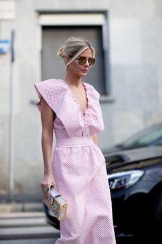 t/b candystripers Milan Fashion Week Street Style Spring 2018 Milan Fashion Week Street Style, Fashion Week 2018, Fashion Blogger Style, Looks Street Style, Fashion Mode, Spring Street Style, Milan Fashion Weeks, Fast Fashion, Street Chic