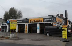 Halfords Autocentre are giving away £1,000 cash. For your chance to win, complete their survey here #UKStoreSurveys #Halfords #surveys #win #wincash #cash #storersurvey #sweepstakes