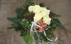 Allerheiligen – Pusteblume Grave Decorations, Cabbage, Vegetables, Plants, Flowers, Cemetery Flowers, Cemetery Decorations, Funeral Flowers, Valentine Decorations