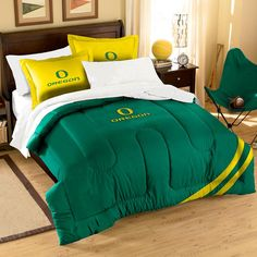 Oregon Ducks NCAA Embroidered Comforter Twin-Full (Contrast Series) (64 x 86)