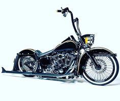 App Hanger on a Bagger Bike! Harley Davidson V Rod, Classic Harley Davidson, Harley Davidson Street, Harley Davidson Motorcycles, Custom Harleys, Custom Bikes, Custom Motorcycles, Custom Baggers, Crane