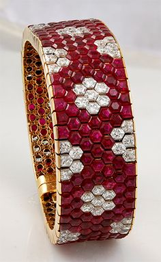 VAN CLEEF & ARPELS Hexagon Ruby & Diamond Bracelet