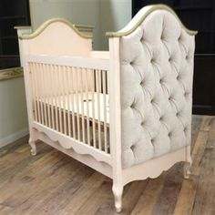 Petit Ange Tufted Royal Crib http://www.petittresor.com/Products/View/21102