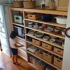 キッチン/カフェ風インテリアを目指して/バリスタ/キッチン棚DIY/ライスストッカー/ニトリの食器棚...などのインテリア実例 - 2017-01-23 18:08:14   RoomClip(ルームクリップ) Tower House, Kitchen Storage, Shoe Rack, Diy Furniture, Kitchen Remodel, Building A House, Bookcase, Sweet Home, New Homes
