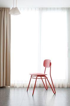 Ознакомьтесь с этим проектом @Behance: «Moth chair» https://www.behance.net/gallery/48955665/Moth-chair