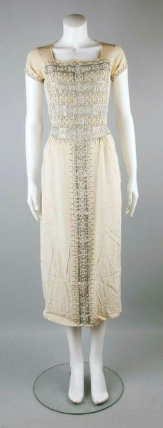 I adore this 1923 dress!
