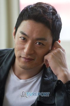 Joo Jin Mo, Korean Men, Korean Actors, Empress Ki, Chinese Movies, Korean Drama, Gorgeous Men, I Laughed, Kdrama
