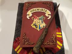 For the birthday of a Harry Potter fan, I gave this Harry Potter book cake . - I baked this Harry Potter book cake for the birthday of a Harry Potter fan – the magic book was d - Harry Potter Book Cake, Gateau Harry Potter, Harry Potter Bday, Harry Potter Birthday Cake, Harry Potter Food, Harry Potter Hogwarts, Dobby Harry, Bakery Business, Diy Cake