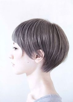 Long front short shaped back Short Hair Styles Easy, Short Hair Cuts, Medium Hair Styles, Shot Hair Styles, Asian Hair, Hair Affair, Girl Short Hair, Short Hairstyles For Women, Great Hair