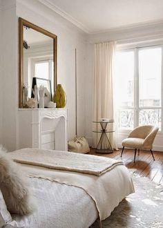 A Paris Haussmann apartment in white, cream and caramel : noiretblancunstyle