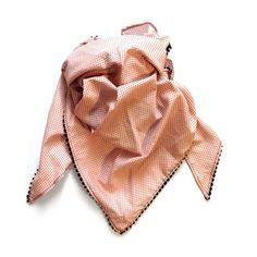Pointillism scarf.
