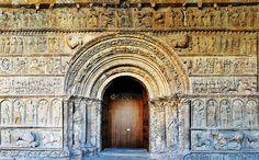 La portada del Monasterio de Santa María de Ripoll