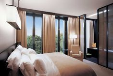 Exclusive Hotel Layout Interpreting Contemporary Flair: Attractive Furniture In Special Room With Wide Bed Brown Quilt White Cushions And Th. Bulgari Hotel Milan, Bvlgari Hotel, Milan Hotel, Dream Bedroom, Master Bedroom, Hotel Room Design, Cool Curtains, Room Planning, Beautiful Hotels