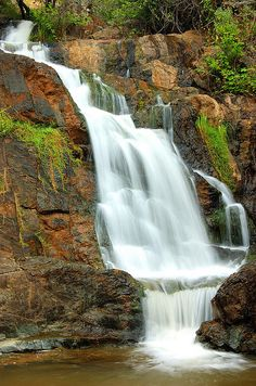 HIdden Falls Auburn Ca so pretty... omg i am going to go here, so pretty