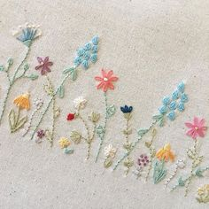 It's all about slow stitching today. I'm using @aurifilthread six stranded embroidery floss to showcase lots of different flowers made with very simple stitches. This pretty design will be featured on my next pattern! . . #mollyandmama #handembroidery #handsewing #slowsewing #slowstitching #aurifilartisan #aurifilthread #aurifloss #flowerembroidery #sewingkit #aurifilfloss