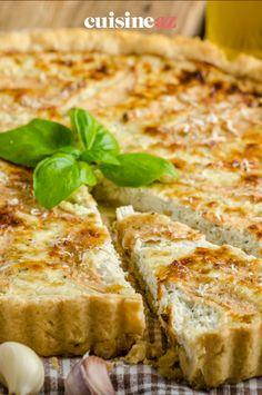 Une tarte salée aux saveurs d'Italie avec du gorgonzola et du jambon de Parme #recette#cuisine#tarte #fromage #gorgonzola #jambon#patisseriesalee Brie, Saveur, Salty Tart, Tarts, Prosciutto, Italy, Meal