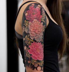 Peony tattoo by mikhail anderson Gardening Go Tattoos Tattoos, Peonies tattoo, Sleeve tattoos Up Tattoos, Flower Tattoos, Body Art Tattoos, Sleeve Tattoos, Cool Tattoos, Tatoos, Bicep Tattoos, Butterfly Tattoos, Skull Tattoos