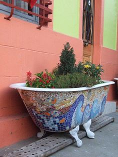 garden planter or what about in the bathroom as a really pretty mosaic tub? Mosaic Crafts, Mosaic Projects, Mosaic Art, Mosaic Glass, Garden Projects, Mosaic Stones, Stained Glass, Garden Ideas, Tadelakt