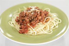ΜΑΚΑΡΟΝΙΑ ΜΕ ΚΕΤΣΑΠ-ΚΙΜΑ Spaghetti, Ethnic Recipes, Food, Essen, Meals, Yemek, Noodle, Eten