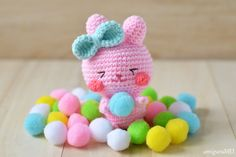 Crochet an Easter Bunny amigurumi with free written pattern. Steps photo showing how to crochet it. Skill level: Easy. Duration: About 4 hours #eastercrafts #amigurumi