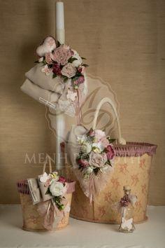 Σετ βάπτισης για κορίτσι σε vintage ύφος με ξύλινο κουτί καλάθι και εξαιρετική floral διακόσμηση