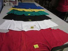 Las Poleras de algodón Vendemos en 6 colores, Tallas S M L y XL, Color liso de 180g de algodón, ideales para estampados con ploter de corte o papel transfer, tambien para impresión directa, su valor es 1.600 pesos con iva cada una, puedes comprar desde 1 unidad y tambien tenemos precios por volumen. Vealas en nuestra tienda virtual aqui - http://www.suministro.cl/category_s/1328.htm#utm_sguid=166629,baca14e5-c892-cc80-7bc5-f0162f81f3db - No dudes en preguntarnos :)