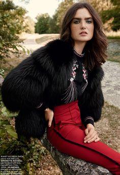 Mariia-Kyianytsia-Vogue-Russia-October-2015-Editorial06
