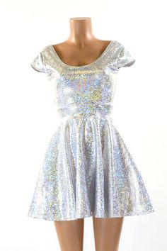 Silver & White Shattered Glass Holographic Scoop Neck Cap Sleeve Fit and Flare Skater Skate Dress 15 Space Girl Kostüm, Neon Prom Dresses, Sparkly Dresses, Quinceanera Dresses, Fit And Flare, Holographic Dress, Space Outfit, Shattered Glass, Silver Dress