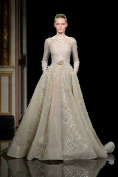 Ziad Nakad Spring 2017 Couture Fashion Show - The Impression Couture Mode, Style Couture, Couture Week, Couture Fashion, Fashion Show, Modest Wedding Dresses, Prom Dresses, Formal Dresses, Couture Dresses