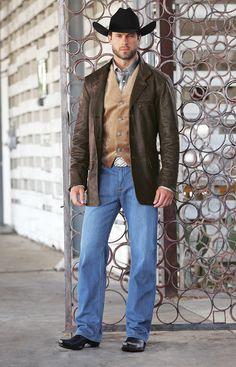 Western means those who wear clothes with Western nuances. The West is not European here. This style refers to the appearance of West America and Southeast America; Nuance provided is a cowboy. Cowboy Outfit For Men, Cowboy Outfits, Western Outfits, Western Wear, Western Style, Country Dresses, Country Outfits, Hot Country Boys, Estilo Country