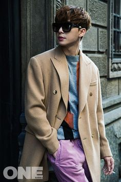 Park Seo Joon looked simply modelesque in the streets of Milan for the July issue of One Korea. During the accompanying interview, the actor discussed his desire to start a family and his ideal type. Witch's Romance, Park Hyung, Park Seo Joon, Kill Me Heal Me, Fall 2015 Trends, Song Joong, Park Bo Gum, Handsome Korean Actors, Korean Fashion Men