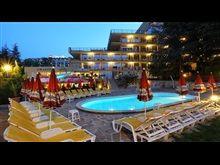 Hotel Gradina Tours, Mansions, House Styles, Outdoor Decor, Home Decor, Decoration Home, Manor Houses, Room Decor, Villas