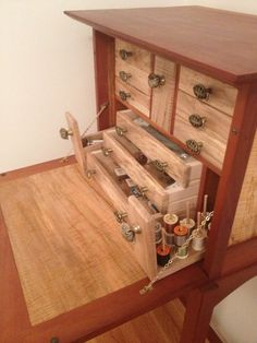 Fly tying desk - cherry and spalted maple Fly Tying Vises, Fly Tying Desk, Fly Tying Tools, Fly Fishing Gear, Fishing Lures, Fishing Tricks, Walleye Fishing, Sea Fishing, Fishing Rods