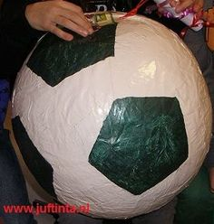 Paper Mache Crafts For Kids, Paper Crafts, Diy Crafts, Kidsroom, Diy Paper, Bean Bag Chair, Christmas Bulbs, Cool Stuff, Holiday Decor