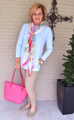 flats2 6 Fabulous Outfits for Women Over 40