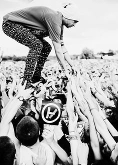 Tyler Joseph and the Skeleton Clique. |-/