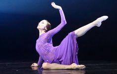 "<<Svetlana Zakharova in ""Rain Before It Falls"" (Пока не пошел дождь), choreography by Patrick de Bana from ""Amore"">>"