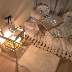 Small Room Interior, Small Room Bedroom, My Room, Bedroom Decor, Korean Bedroom Ideas, Home Room Design, Minimalist Room, Aesthetic Room Decor, Dream Rooms