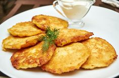 Pancakes are a favourite with kids. But this Potato Pancakes recipe is definitely a winner! Truly a great meal to start your day! Food N, Food And Drink, Preschool Cooking, Potato Recipes, Pancake Recipes, Potato Pancakes, Fritters, 3 Ingredients, Food Photo