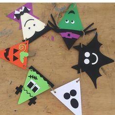 Halloween Paper Chain Craft Idea for Kids Comida De Halloween Ideas, Halloween Arts And Crafts, Halloween Crafts For Toddlers, Halloween Activities, Halloween Cards, Fall Halloween, Holiday Crafts, Diy Halloween Banner, Adornos Halloween